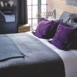 Không nên kê giường ngủ ở nơi mà dưới lòng đất có mạch nước ngầm